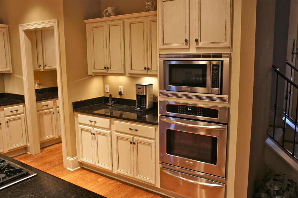 Painted kitchen cabinets by bella tucker decorative for Kitchen cabinet finishes