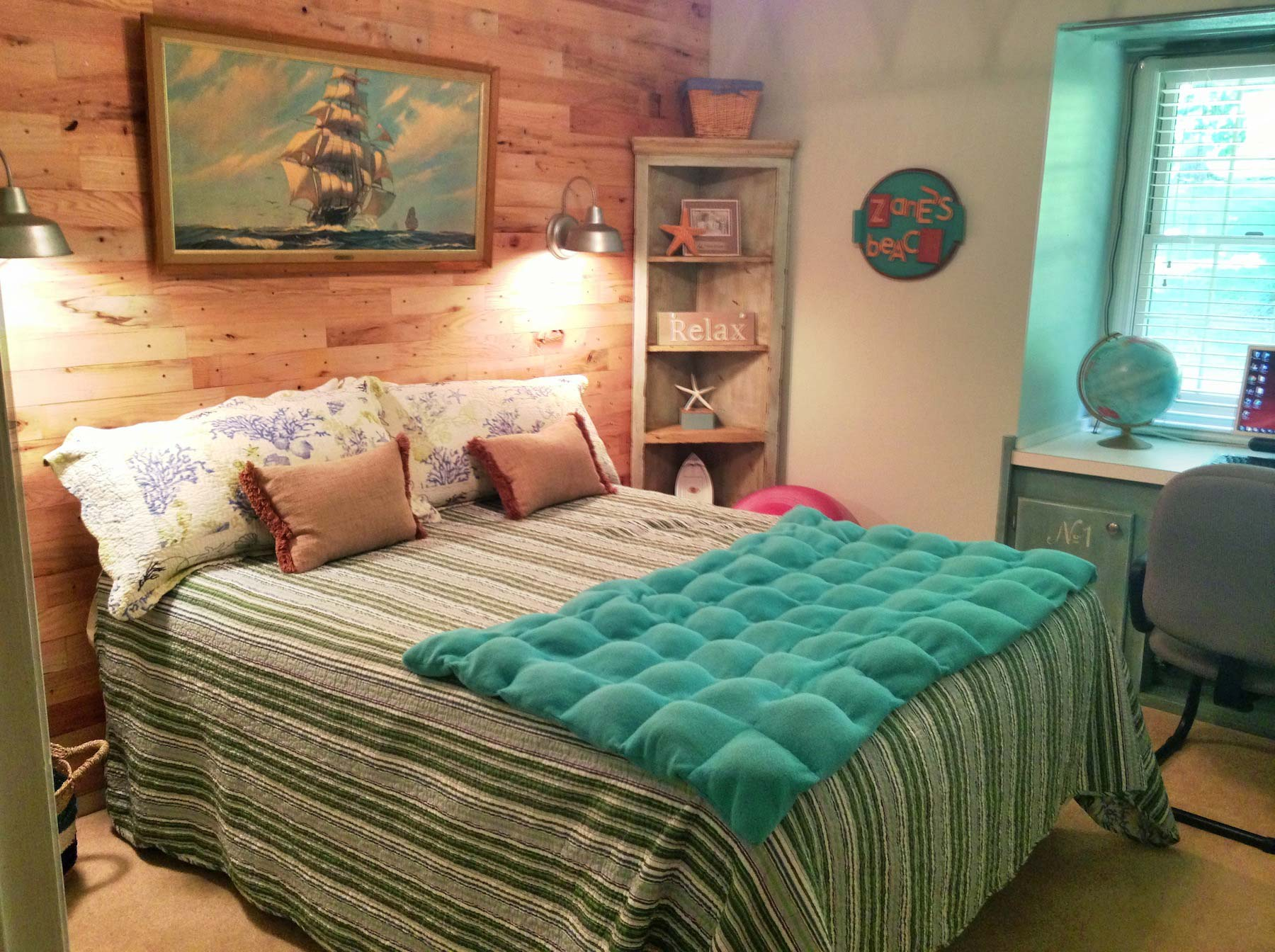 Beach room makeover for Beach bedroom ideas pictures