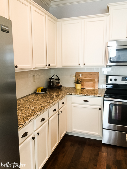 How to Work with your Existing Granite when Updating your ... on Granite Countertops With Backsplash  id=39344