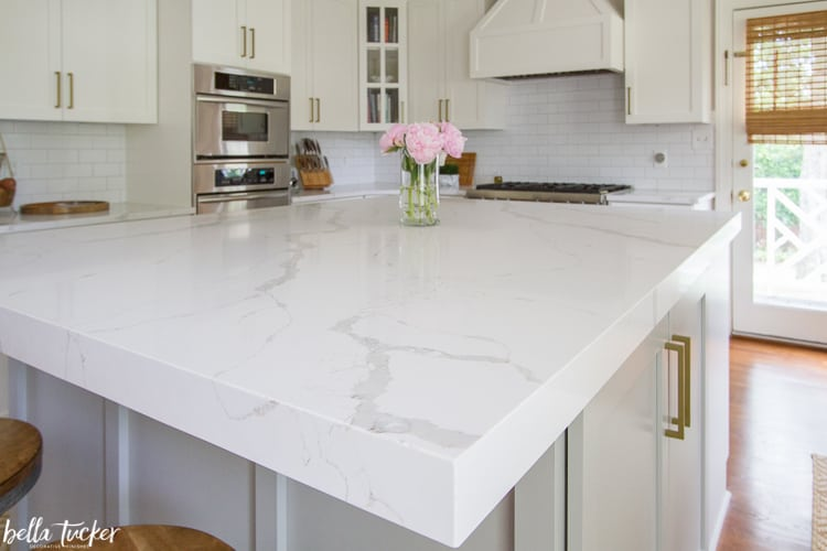 mitered edge quartz countertop